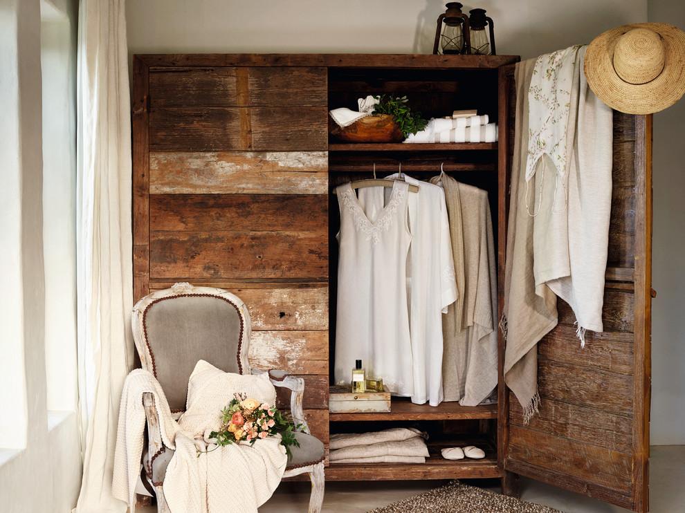 mediterranean-closet-design