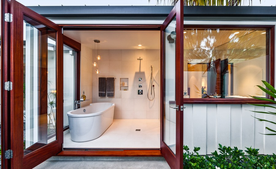 midcentury-bathroom-walk-in-shower