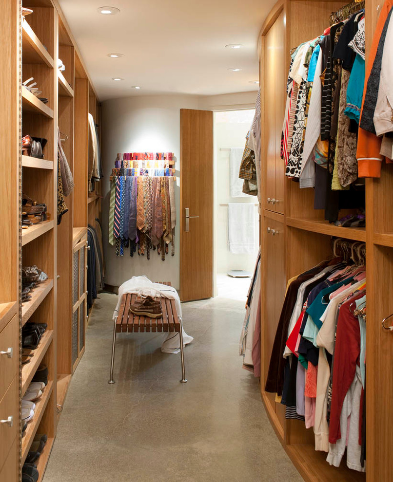 midcentury-closet-design