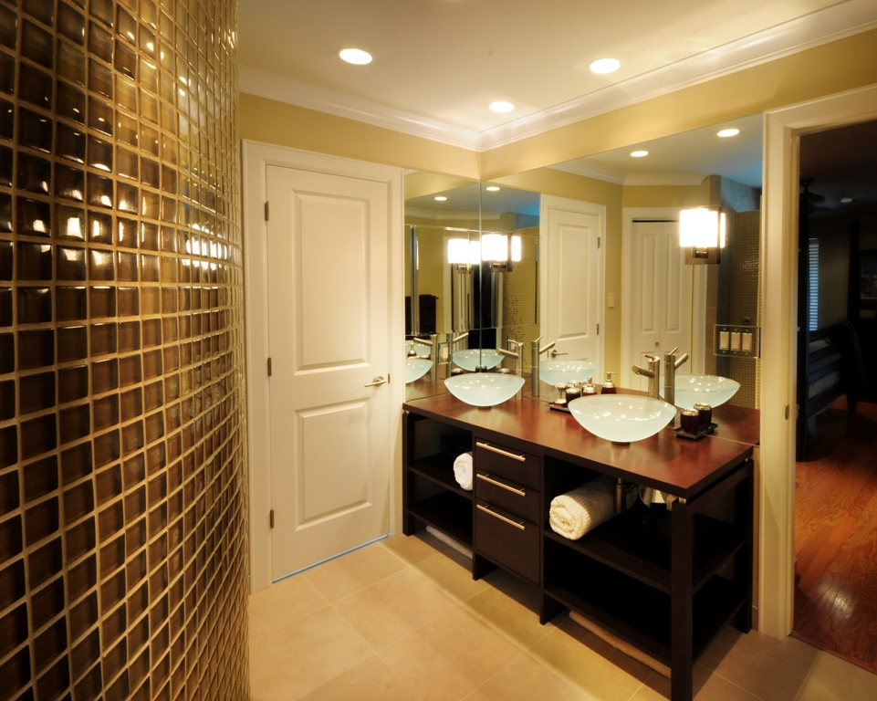 Luxurious contemporary master bathrooms for Modern master bathroom