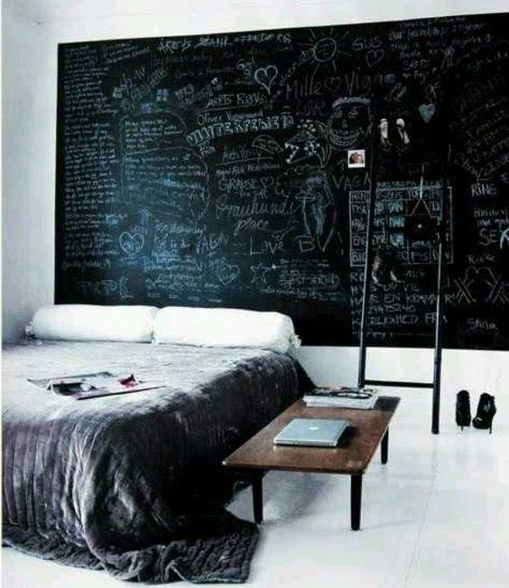 modern-chalkboard-headboard