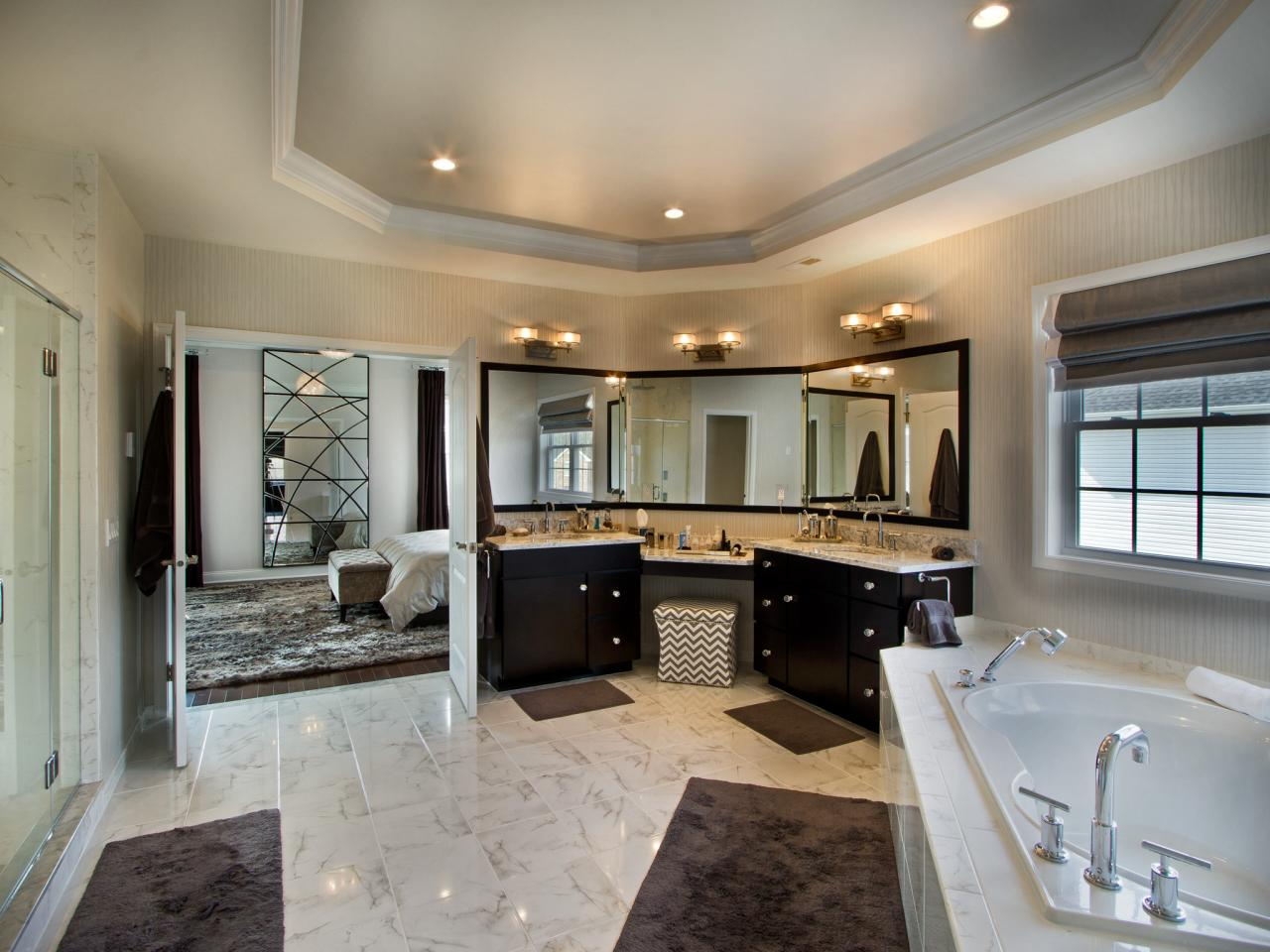 amazing-large-master-bathroom-design
