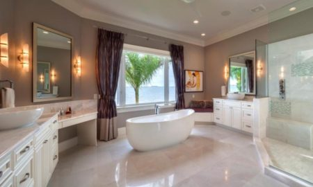 beach-style-master-bathroom-design