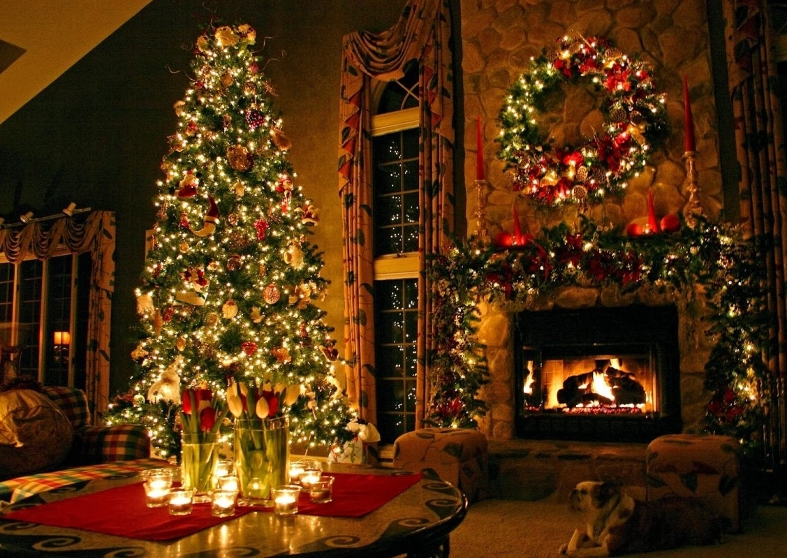 25 Christmas Living Room Decor Ideas on beautiful homes warm inviting interiors