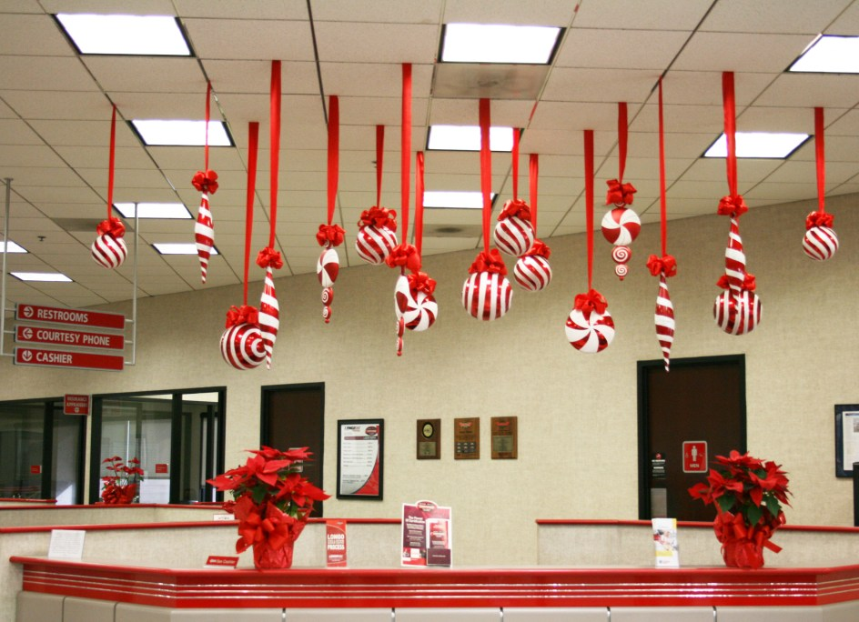 christmas-office-decoration