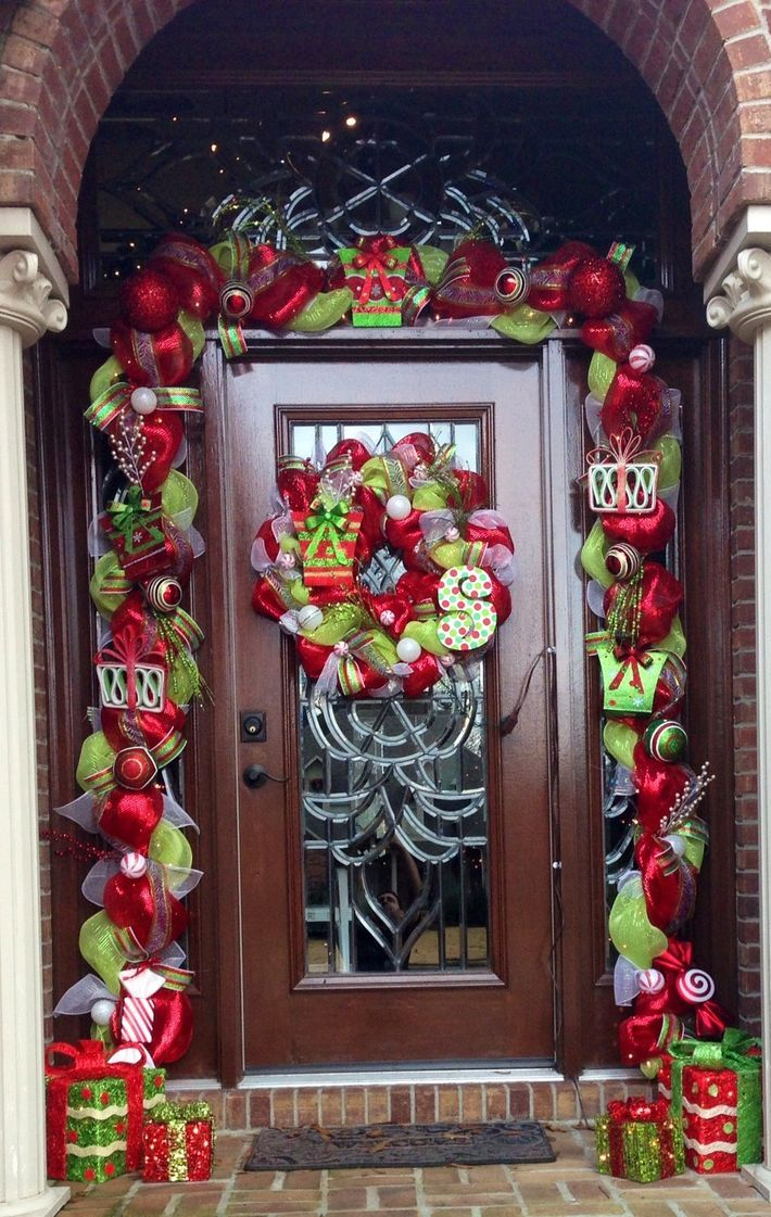 colorful-front-door-wreath