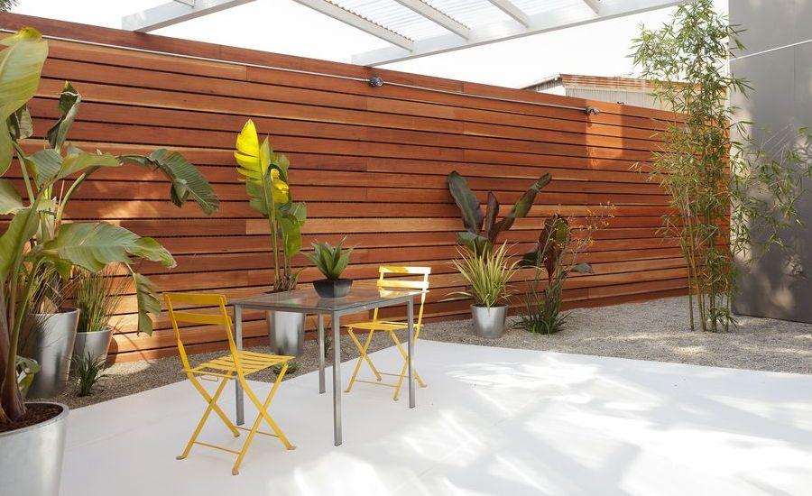 contemporary-patio-design-with-trellis