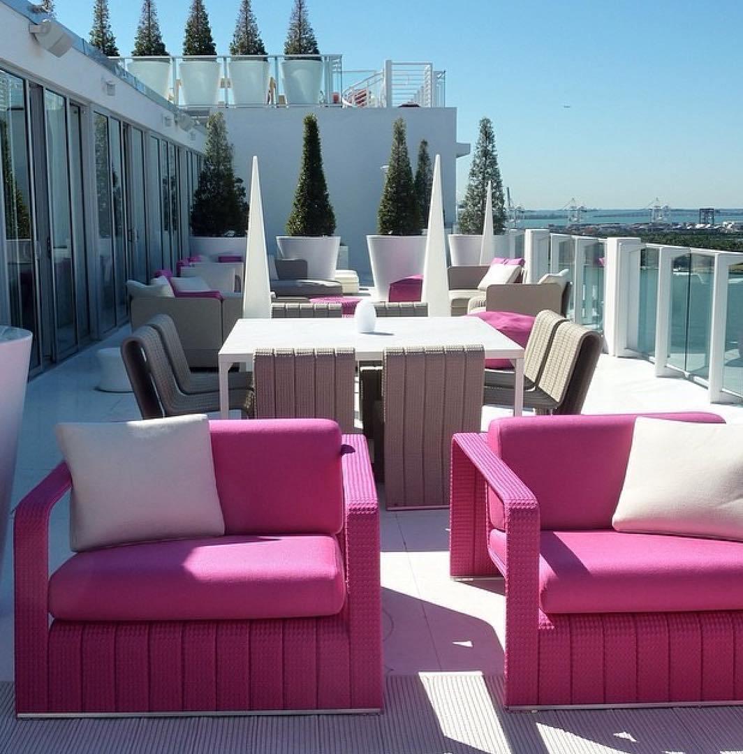 contemporary-rooftop-patio-design