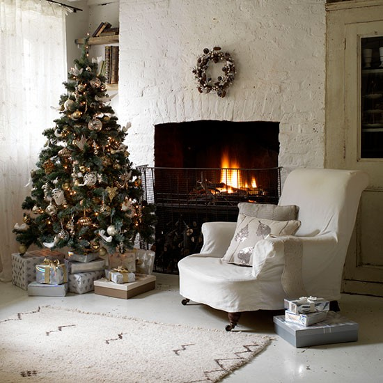 country-christmas-living-room-ideas