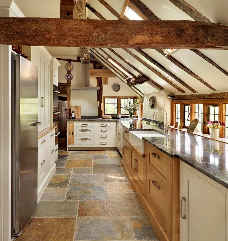 cozy-country-kitchen-with-exposed-beam