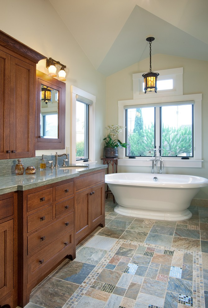 craftsman-master-bathroom