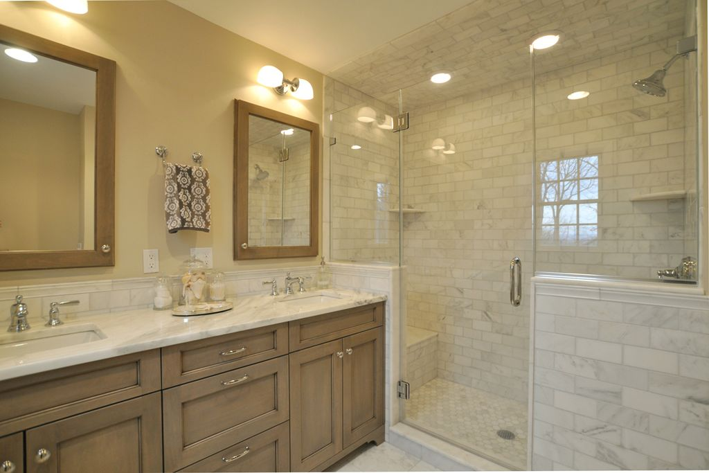 craftsman-style-master-bathroom