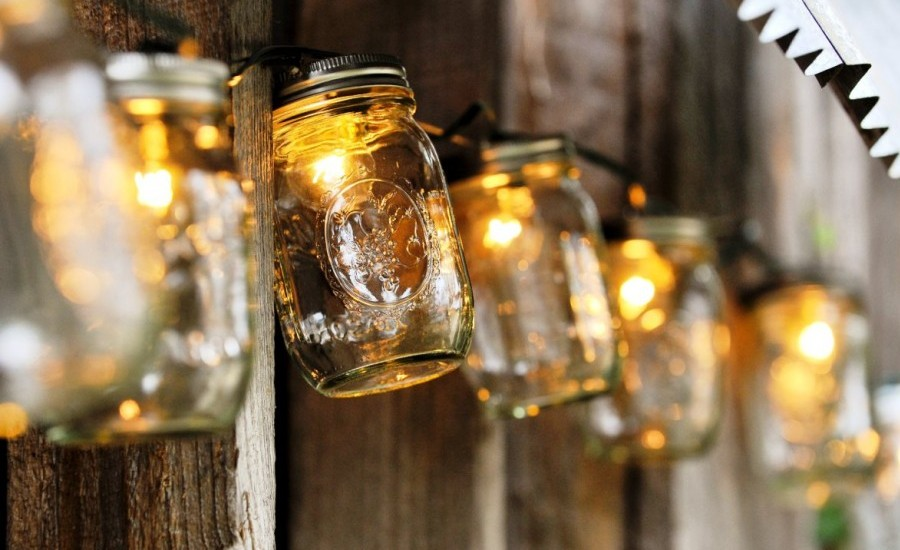 diy-outdoor-mason-jar-christmas-decorations