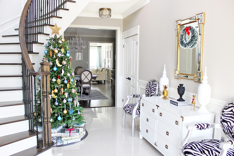 15 best christmas tree decoration ideas for Foyer christmas decorating ideas