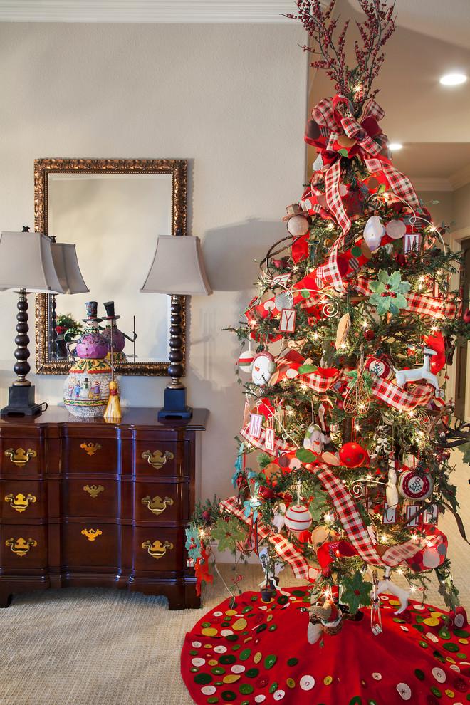 hallway-christmas-decoration