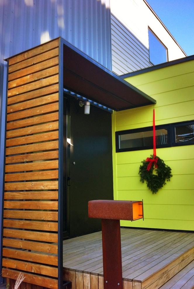 modern-entry-christmas-wreath