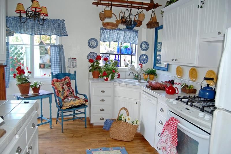 old-country-style-kitchen