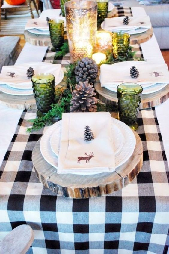 Farmhouse Christmas Tablescapes