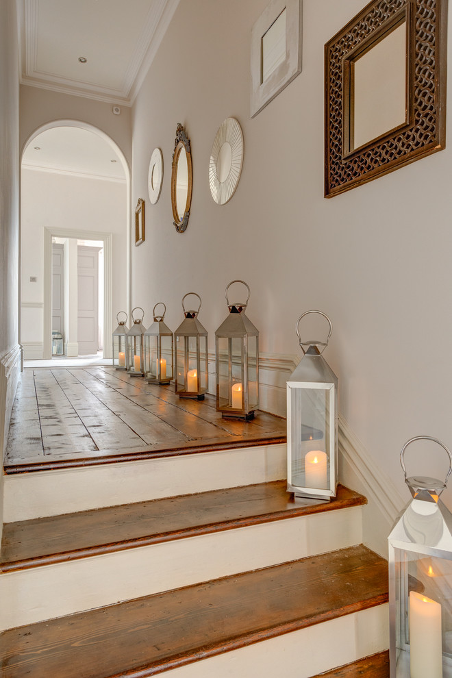 shabby-chic-style-hallway-design