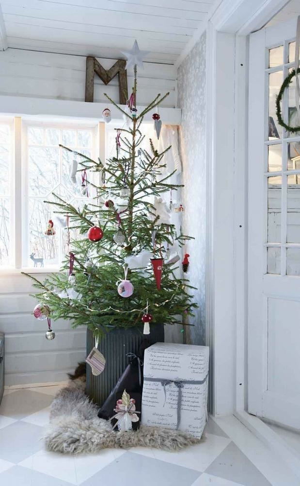 25 simple christmas decorating ideas Sample christmas tree decorating ideas