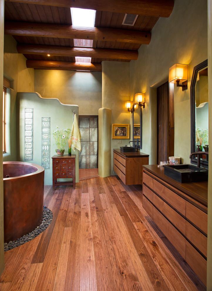 southwestern-master-bathroom