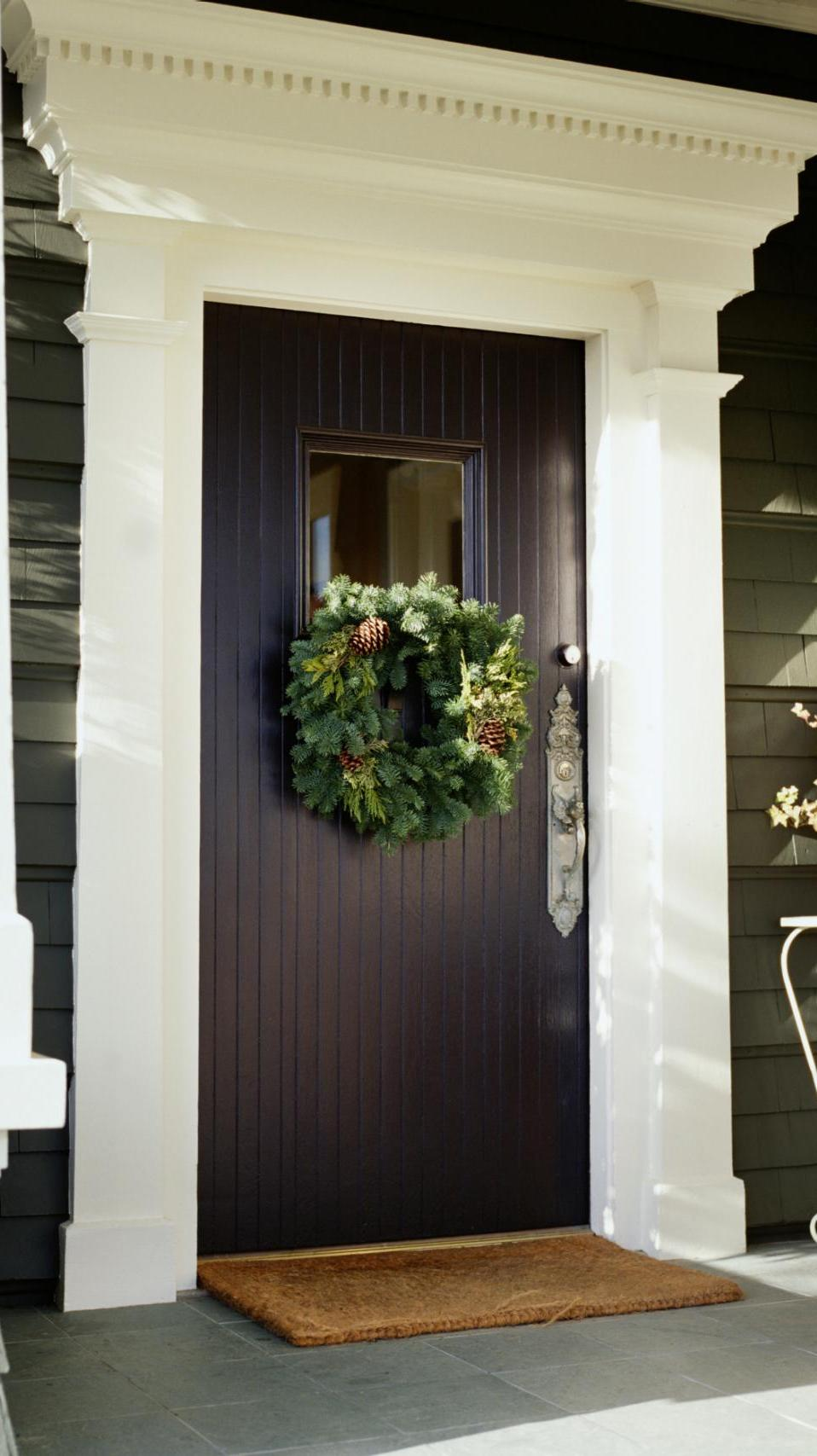 stunning-front-door-christmas-wreath