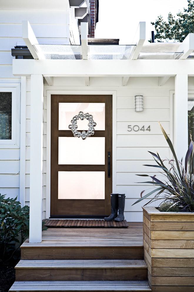 traditional-front-door-christmas-wreath