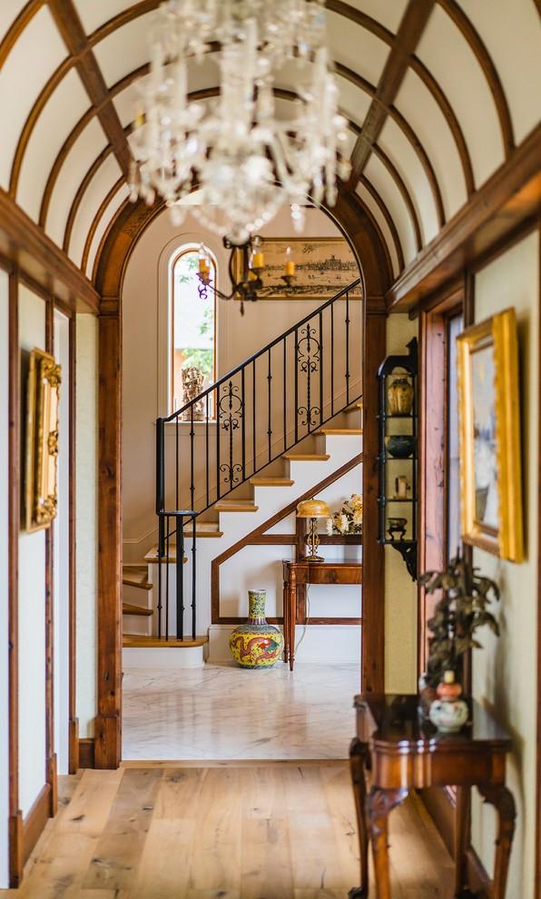 traditional-hallway-design