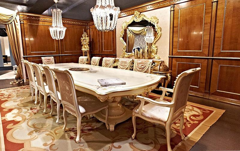 Traditional Luxurious Dining Room Design