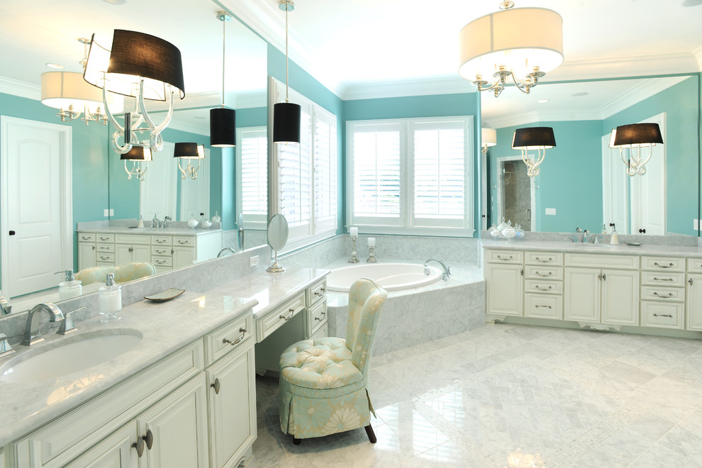 15 Beautiful Master Bathrooms