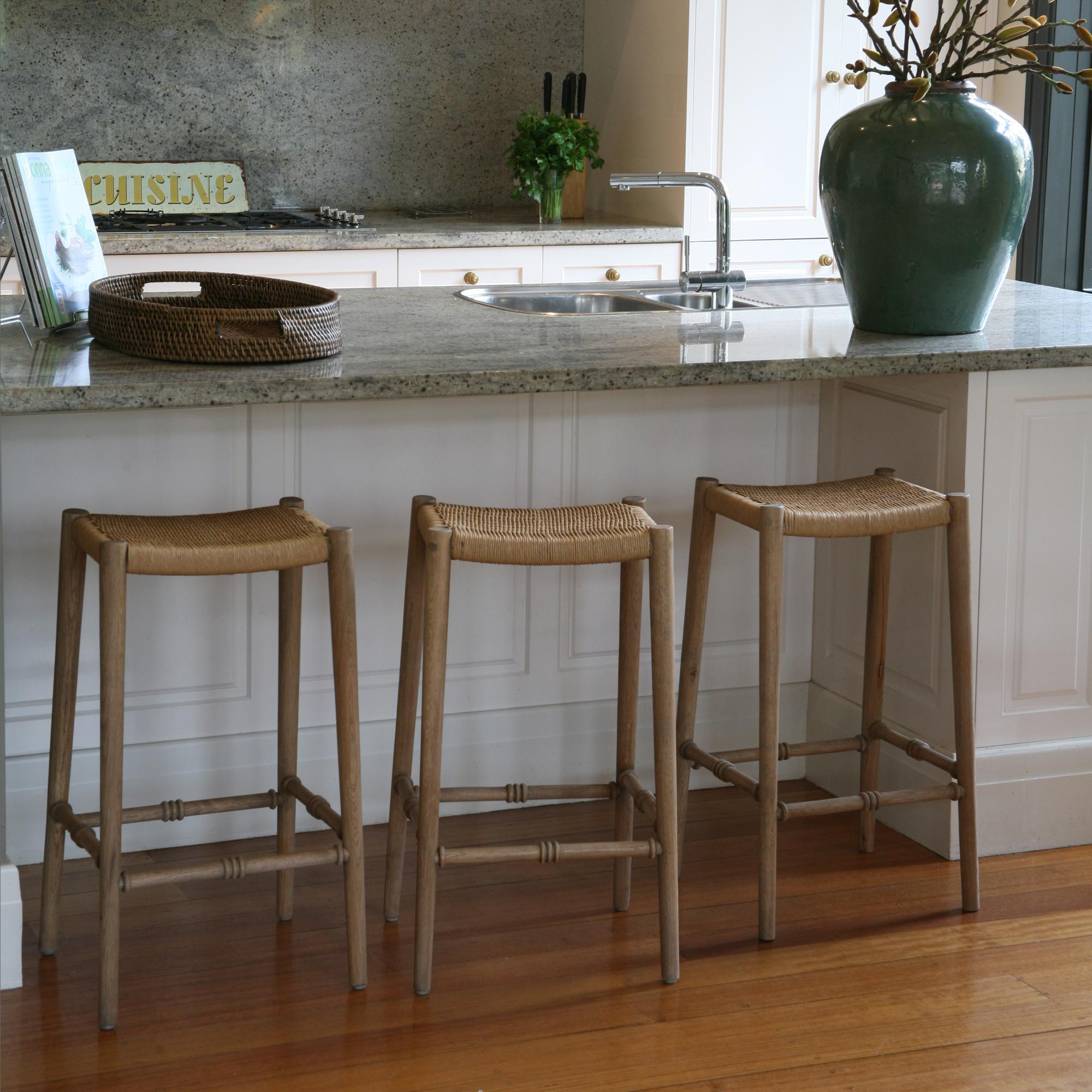 wicker-kitchen-stools