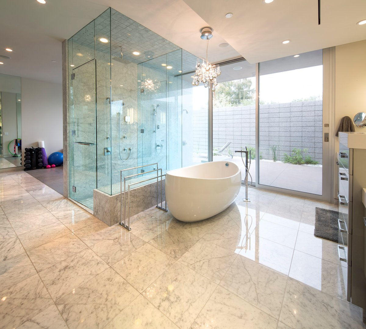 15 modern bathrooms with glass showers for Modern bathroom tile designs