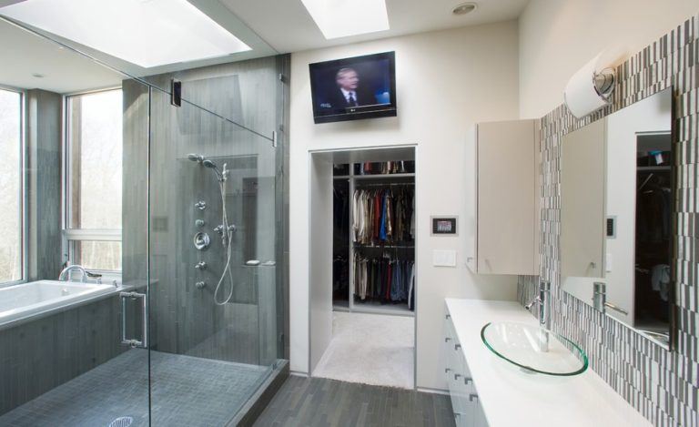 15 Modern Bathrooms With Glass Showers