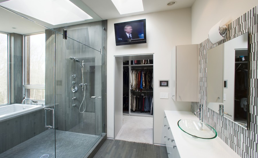 large-modern-bathroom