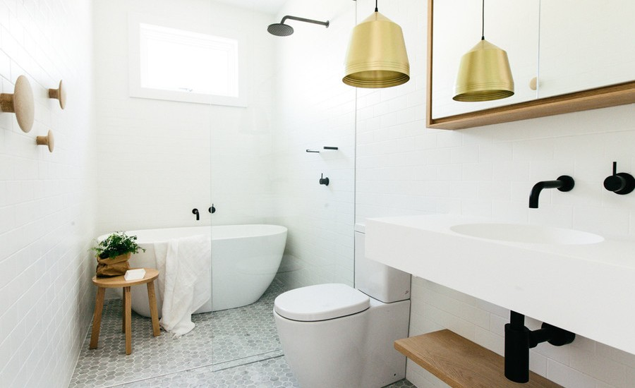 20 stunning small bathroom designs for Small family bathroom design