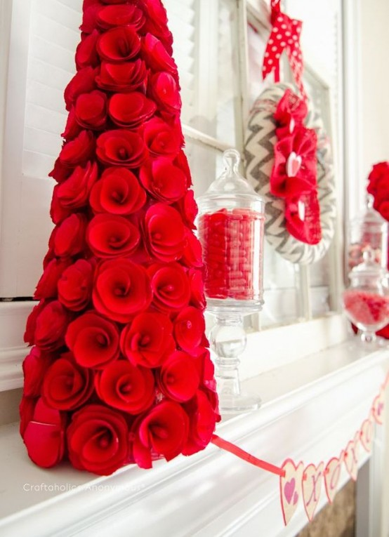 40 Adorable Red Valentines Day Decor Ideas