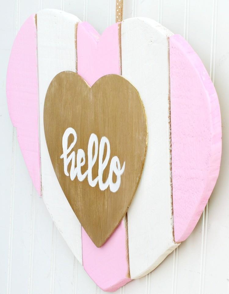 diy-heart-shaped-valentine-door-hanger