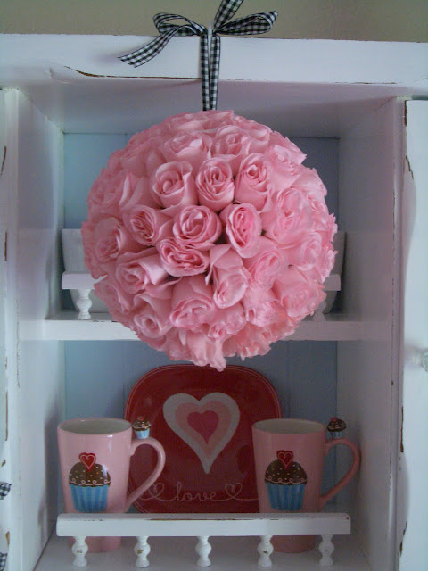 rose-bouquet-ball