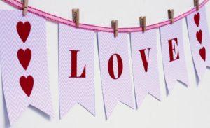 10 DIY Home Decor Ideas For Valentine's Day