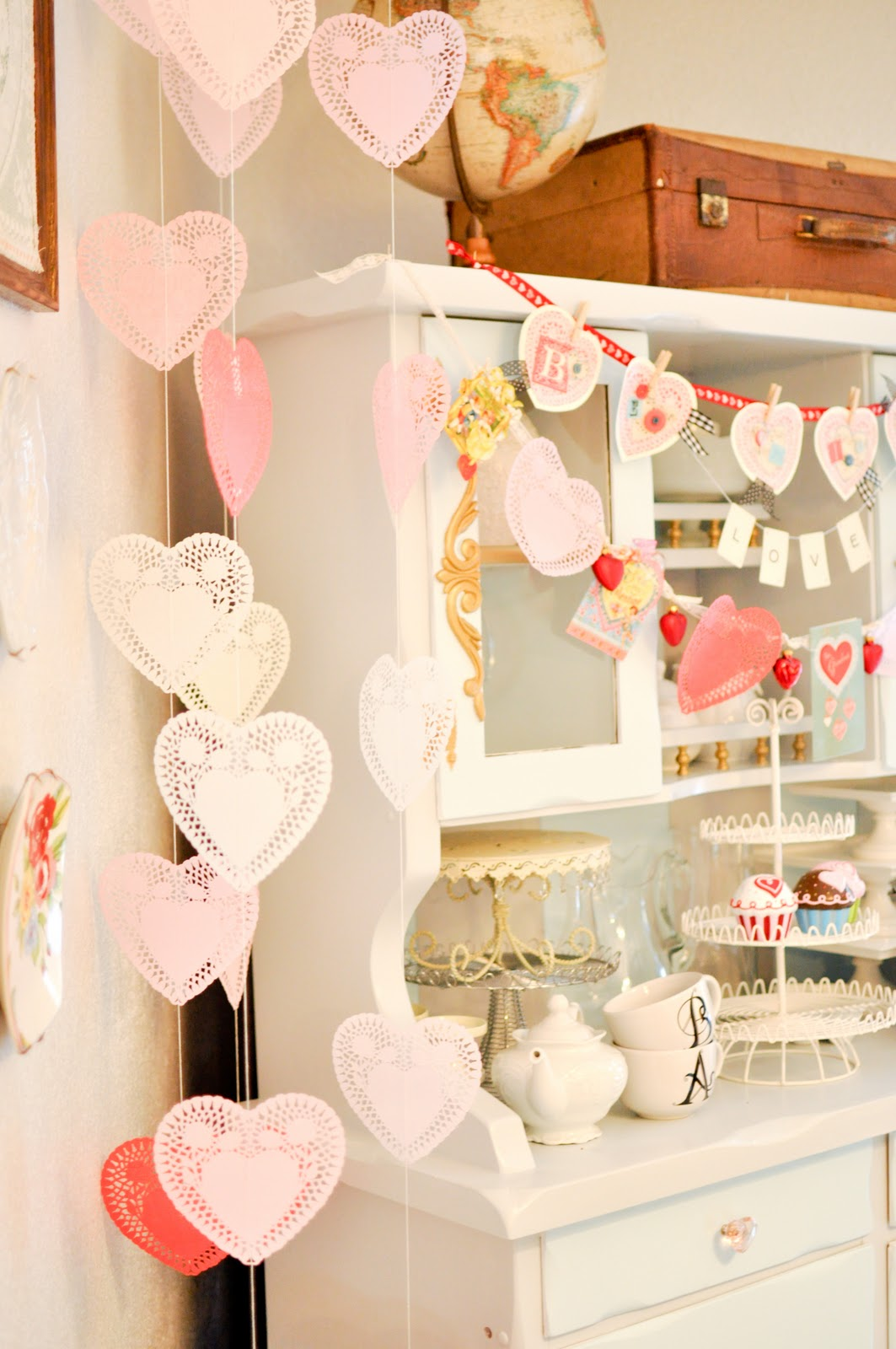 20 valentine 39 s day decorations ideas for your home for Valentine decorations to make at home