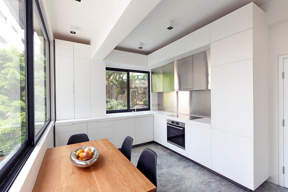 Modern L-Shaped Kitchen