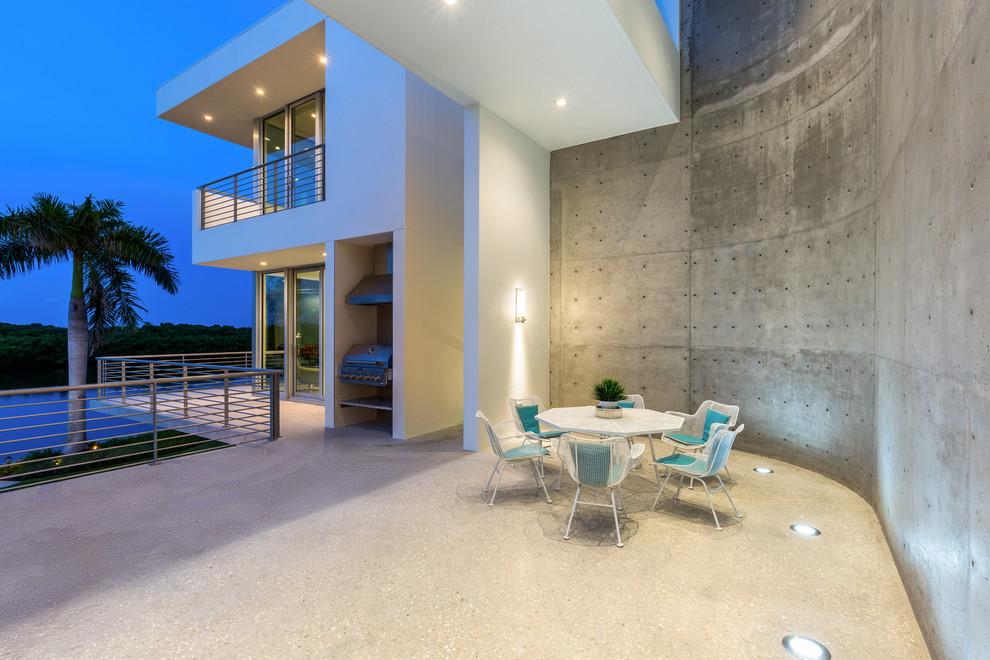 Modern Porch Design With Outdoor Kitchen