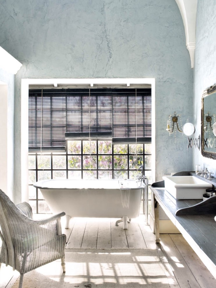 Shabby-Chic-Style Bathroom With Bathtub