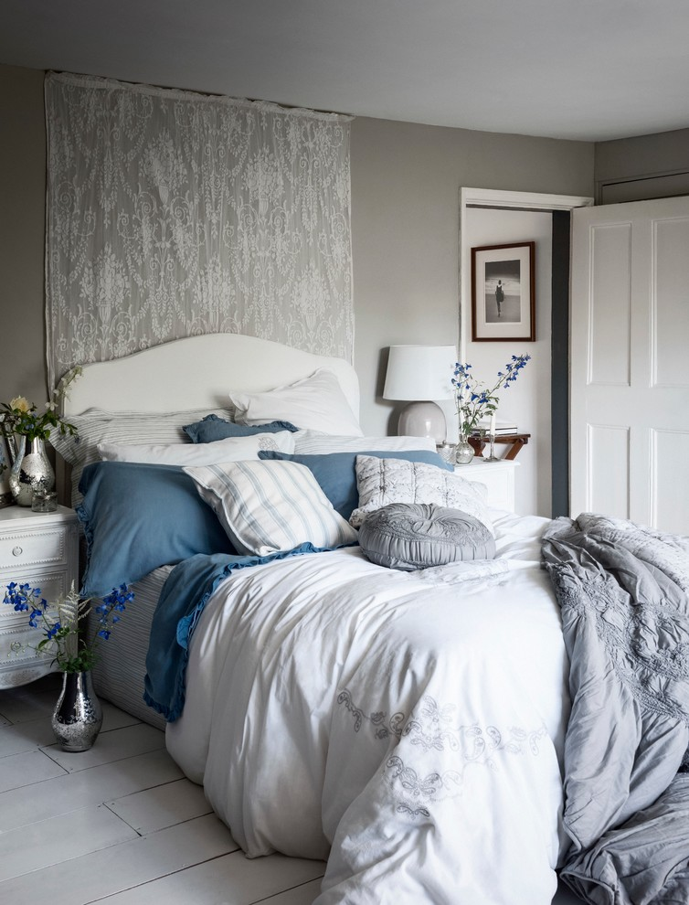 Shabby-Chic Guest Bedroom