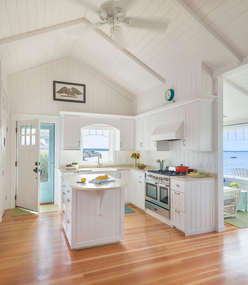 Attic Beach Style Kitchen