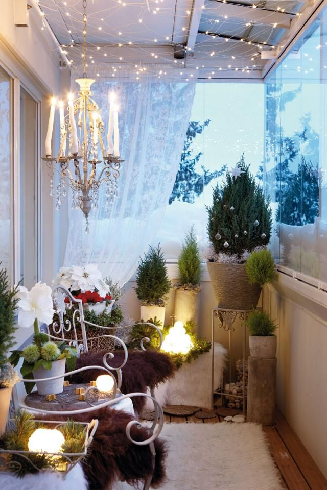 Small Balcony Design For Christmas