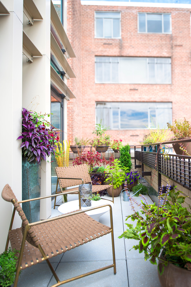 Small Transitional Balcony Design