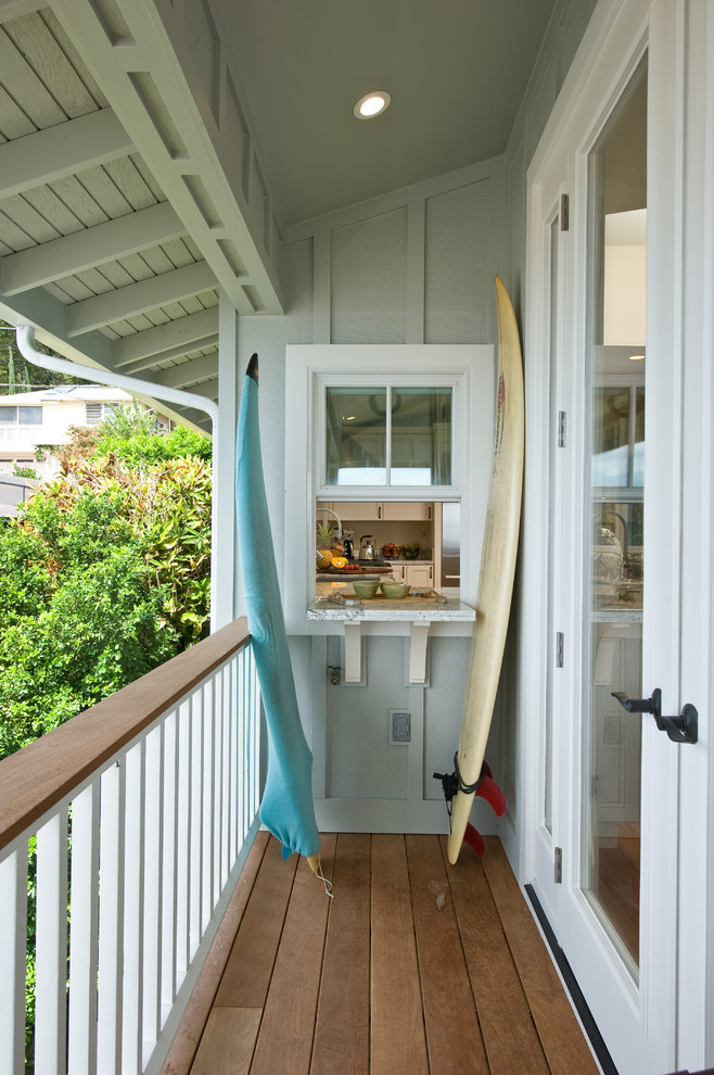 Small Tropical Balcony Design