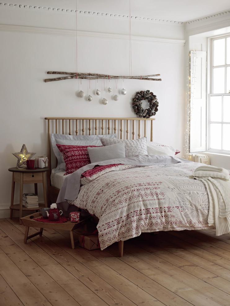 Contemporary Bedroom Wreath Decor