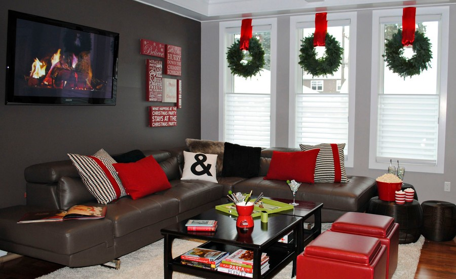 25 best christmas wreath decor ideas 2017 for Living room ideas 2017